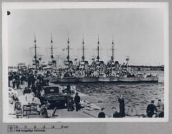 Tysk militærs marine og minestryger i dansk havn, 5. maj 1940