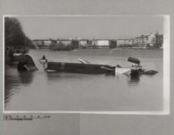 Tysk flyvemaskine styrtet ned i Sortedamssøen i København, 12. maj 1944