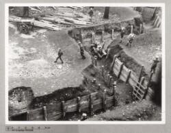 Ødelagte dækningsgrave og træværk stjålet på Århus Plads