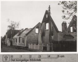 Udbombede huse: det første beboet af musikdirektør P. Andersen, maj 1945