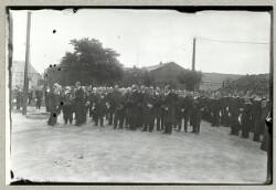 Sørgehøjtidelighed for de dræbte engelske marinere fra ubåden E.13