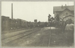 Danske soldater ankommer til Haderslev med tog