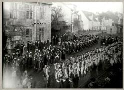 Engelske marinere og franske alpejægere på havnen i Flensborg i forbindelse med de allieredes besættelse af afstemningsområdet op til Genforeningen