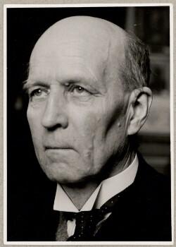 Forsvarsminister, dr. phil. P. Munch