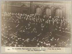 4915. Det historiske Rigsdagsmøde i Berlin d. 5. Oktober: Prins Max af Baden (den nye Rigskansler) taler.