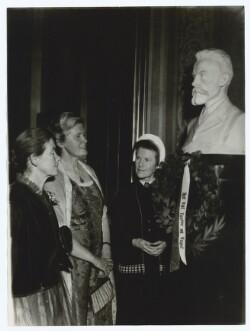 Fru Merete Lange-Müller, Fru Irmelin Glahn og Søster Vibeke Lange-Müller
