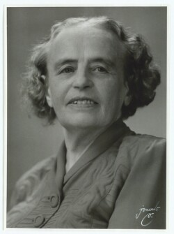 Henningsen, Agnes