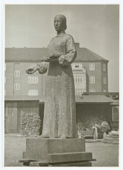 Astrid Noacks statue af Anna Ancher