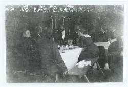 Anna Ancher blandt kunstnere