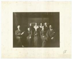 Familien i spisesalen ca. 1903