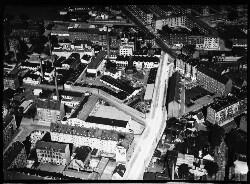 thumbnail: Skråfoto fra 1932-1950 taget 41 meter fra Thoravej 2A