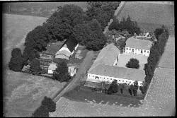 thumbnail: Skråfoto fra 1936-1938 taget 153 meter fra Byvej 201, st. 13