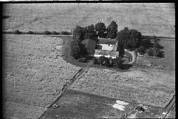 thumbnail: Skråfoto fra 1936-1938 taget 83 meter fra Arnold Nielsens Boulevard 45, st. tv