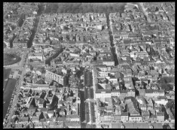 thumbnail: Skråfoto fra 1928-1933 taget 66 meter fra Nyhavn 71, 4.