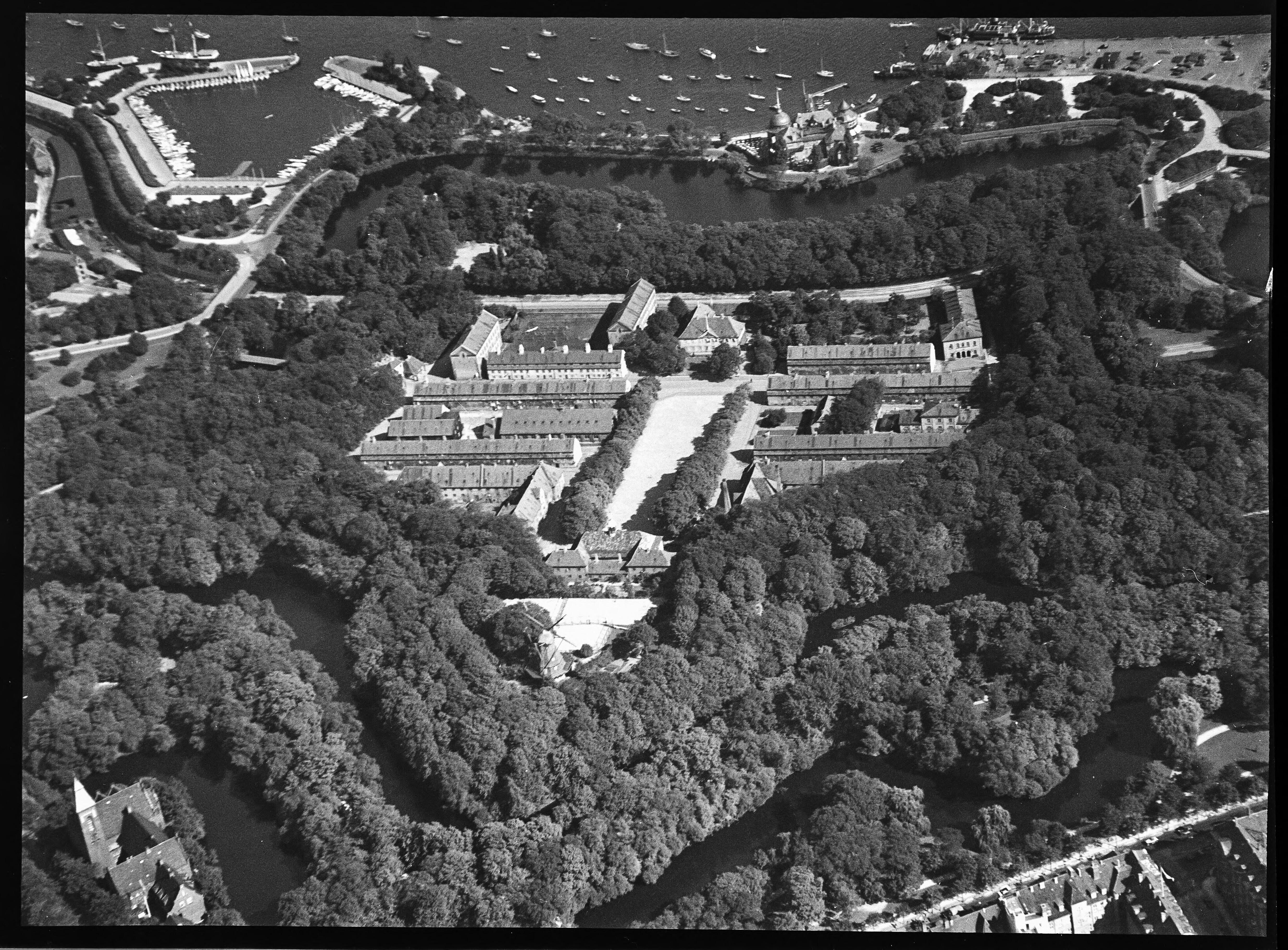 Skråfoto fra 1928-1933 taget 22 meter fra Kastellet 50
