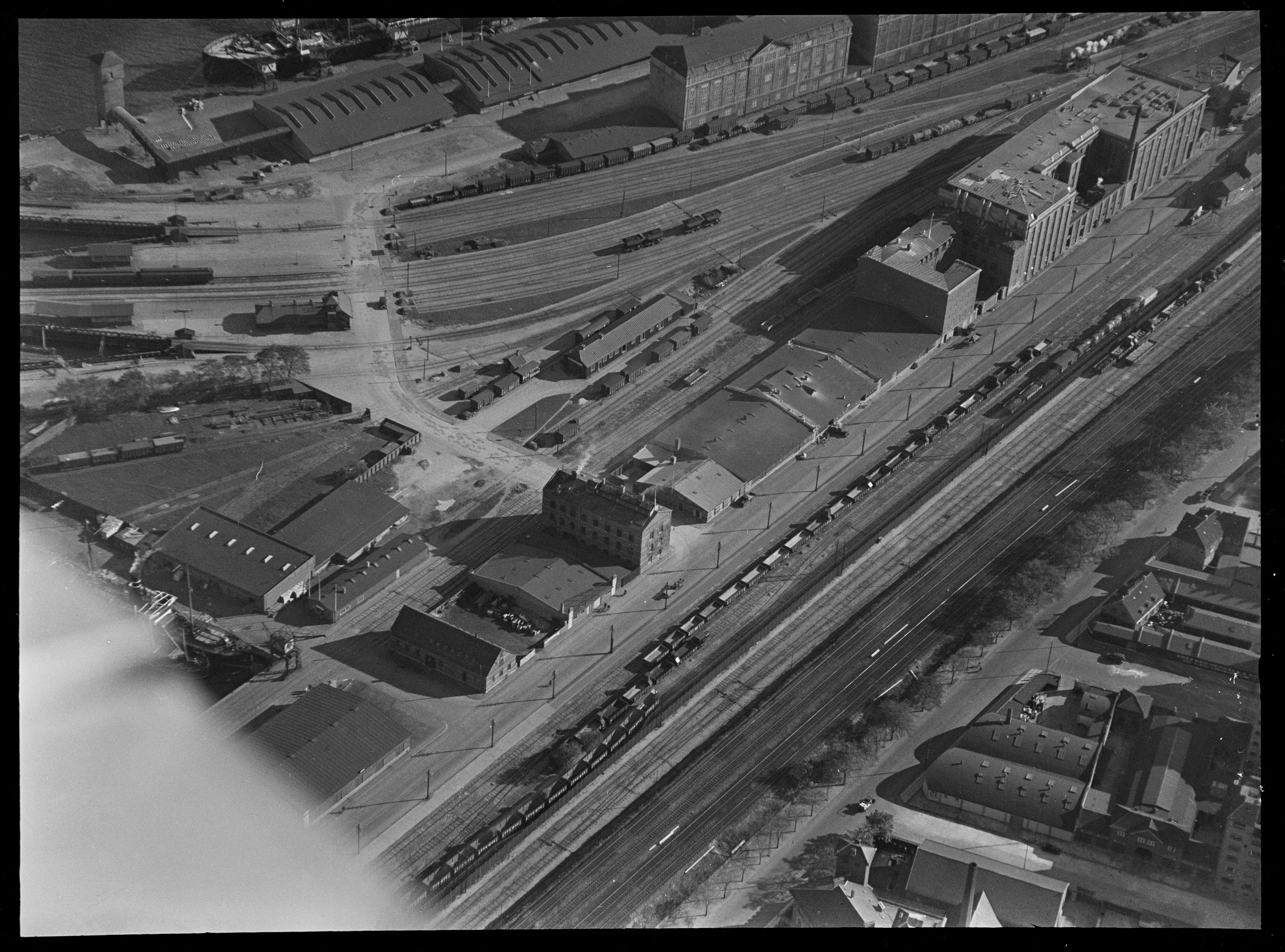 Skråfoto fra 1928-1933 taget 18 meter fra Amerika Plads 17, st.