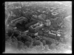 thumbnail: Skråfoto fra 1949 taget 33 meter fra Vognmagergade 11, 4. tv