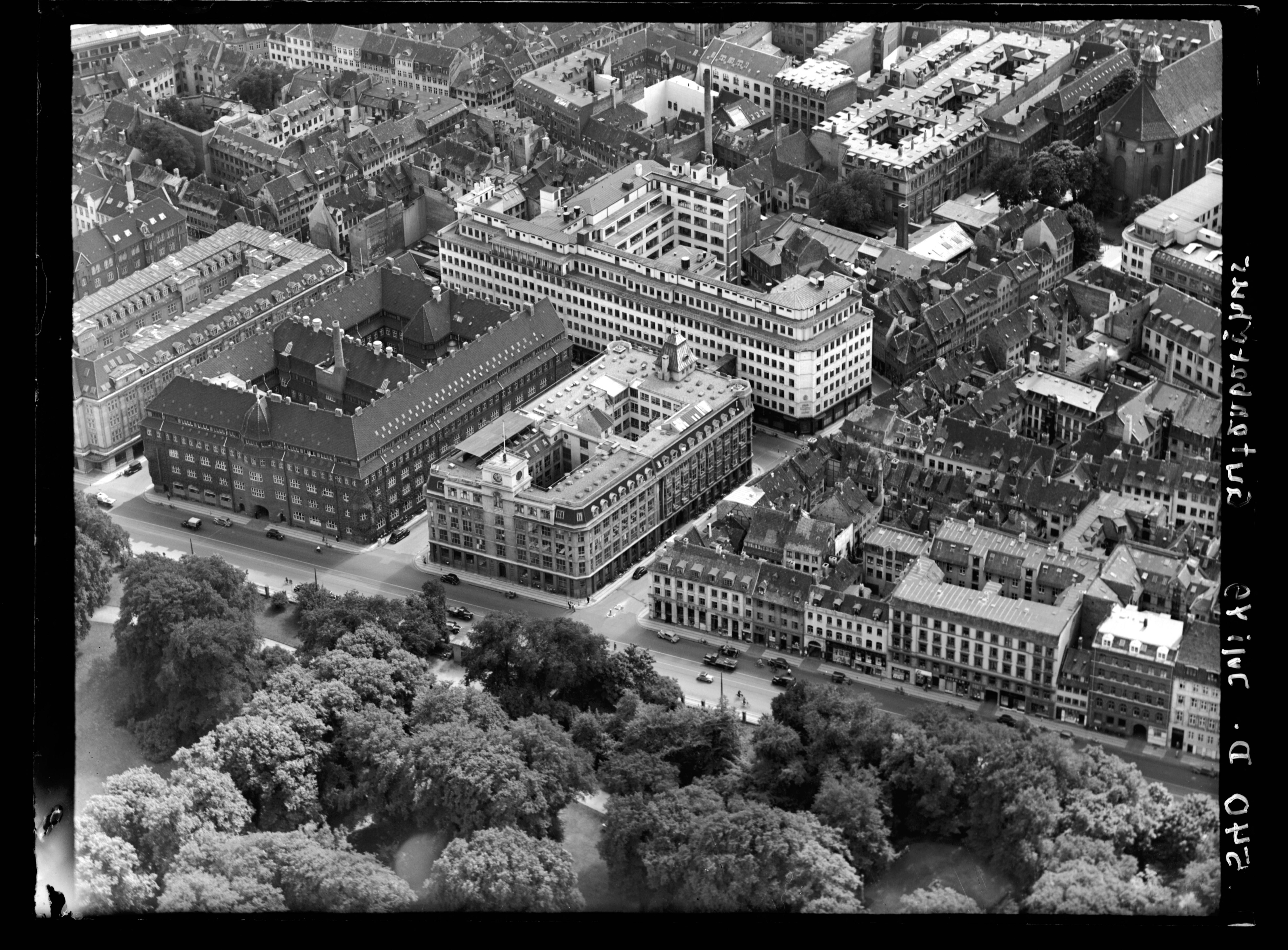 Skråfoto fra 1949 taget 52 meter fra Gothersgade 93, st. th
