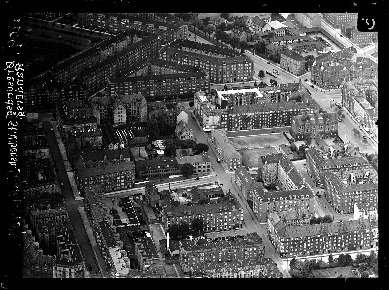 Skråfoto fra 1937 taget 72 meter fra Svendborggade 1, 6. 104