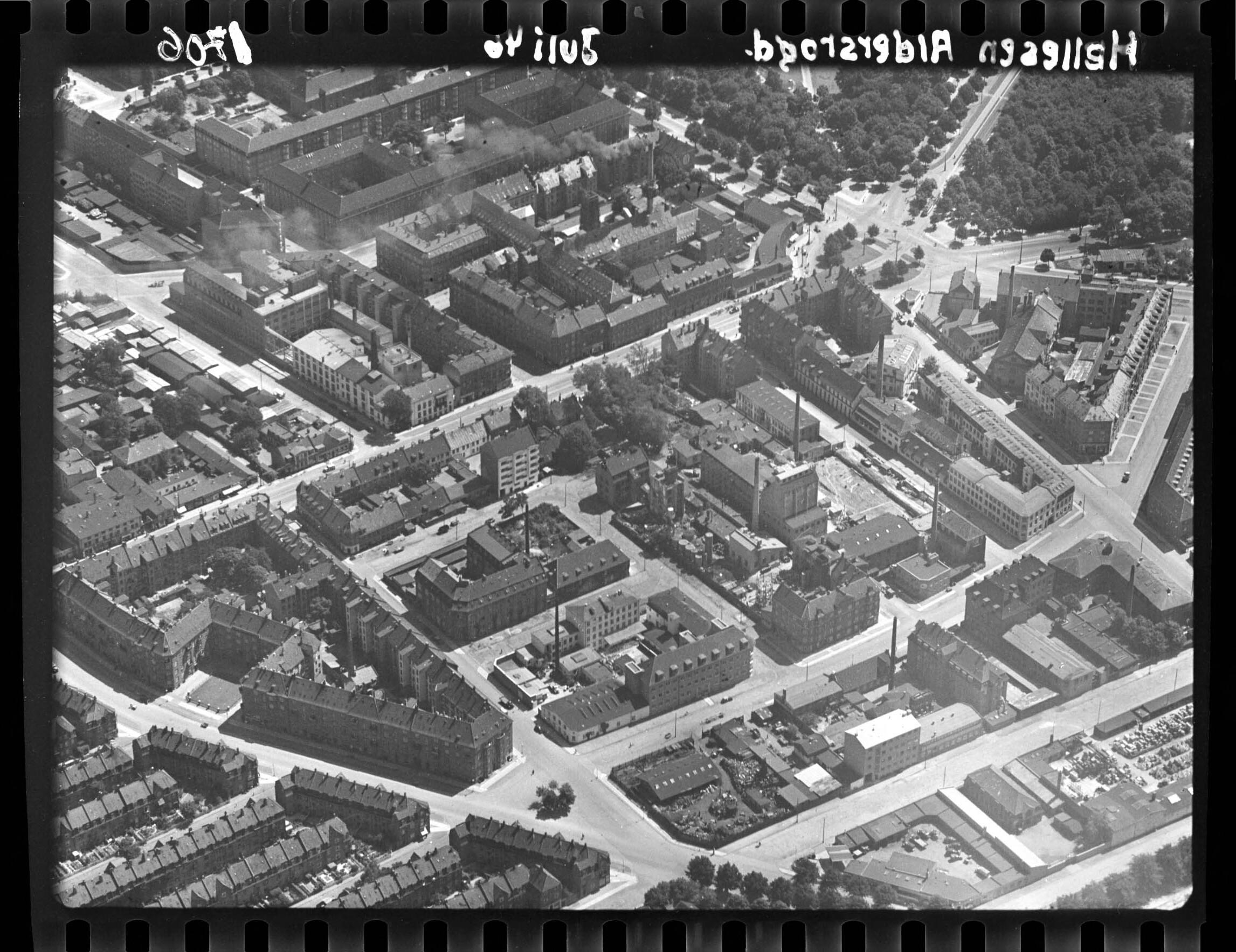 Skråfoto fra 1946 taget 39 meter fra Aldersrogade 3, st.