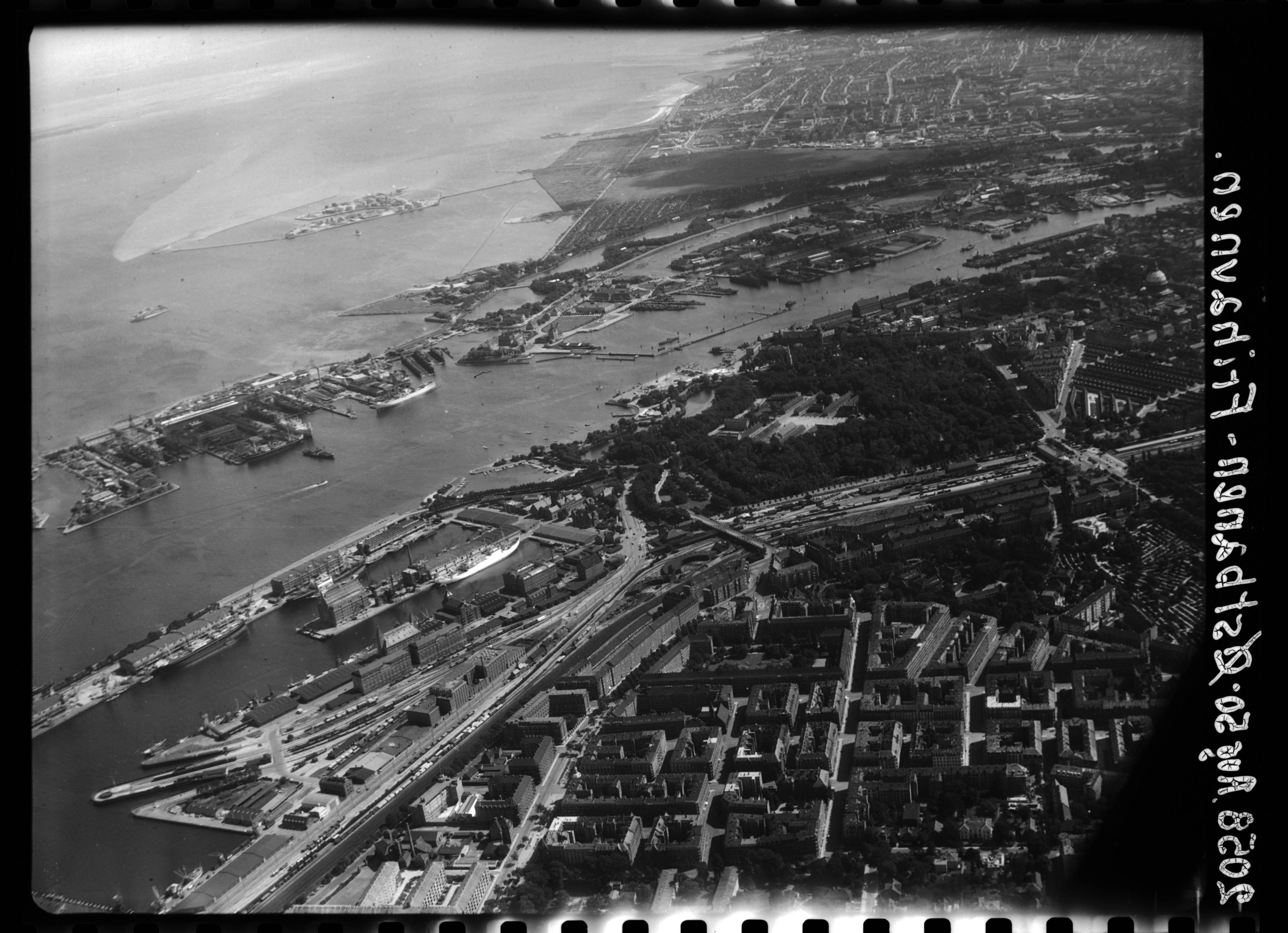 Skråfoto fra 1950 taget 138 meter fra Marmorvej 45, st. tv