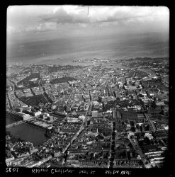 thumbnail: Skråfoto fra 1952 taget 55 meter fra Kronprinsensgade 5, 2.