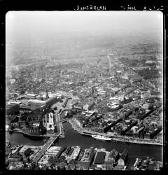 thumbnail: Skråfoto fra 1954 taget 33 meter fra Havnegade 27, st.