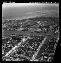 thumbnail: Skråfoto fra 1955 taget 54 meter fra Nyhavn 20D, 2.