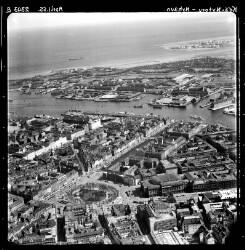 thumbnail: Skråfoto fra 1955 taget 66 meter fra Nyhavn 7, 2. 1