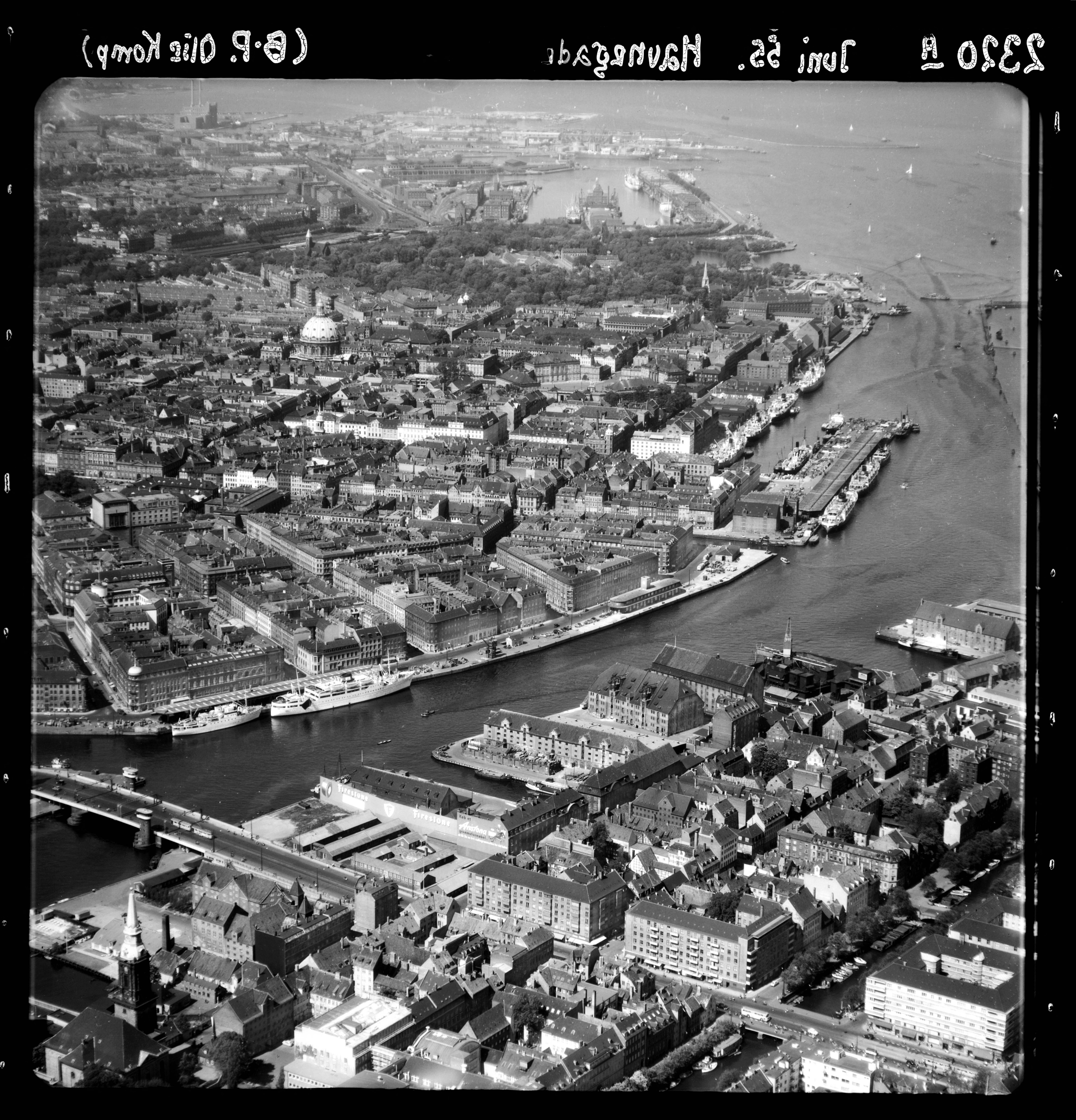 Skråfoto fra 1955 taget 65 meter fra Holbergsgade 18, kl. tv