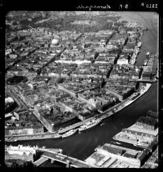 thumbnail: Skråfoto fra 1955 taget 81 meter fra Peder Skrams Gade 26B, 1. tv