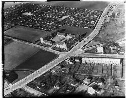 thumbnail: Skråfoto fra 1950-1954 taget 341 meter fra Karise Alle 31, 1. 79