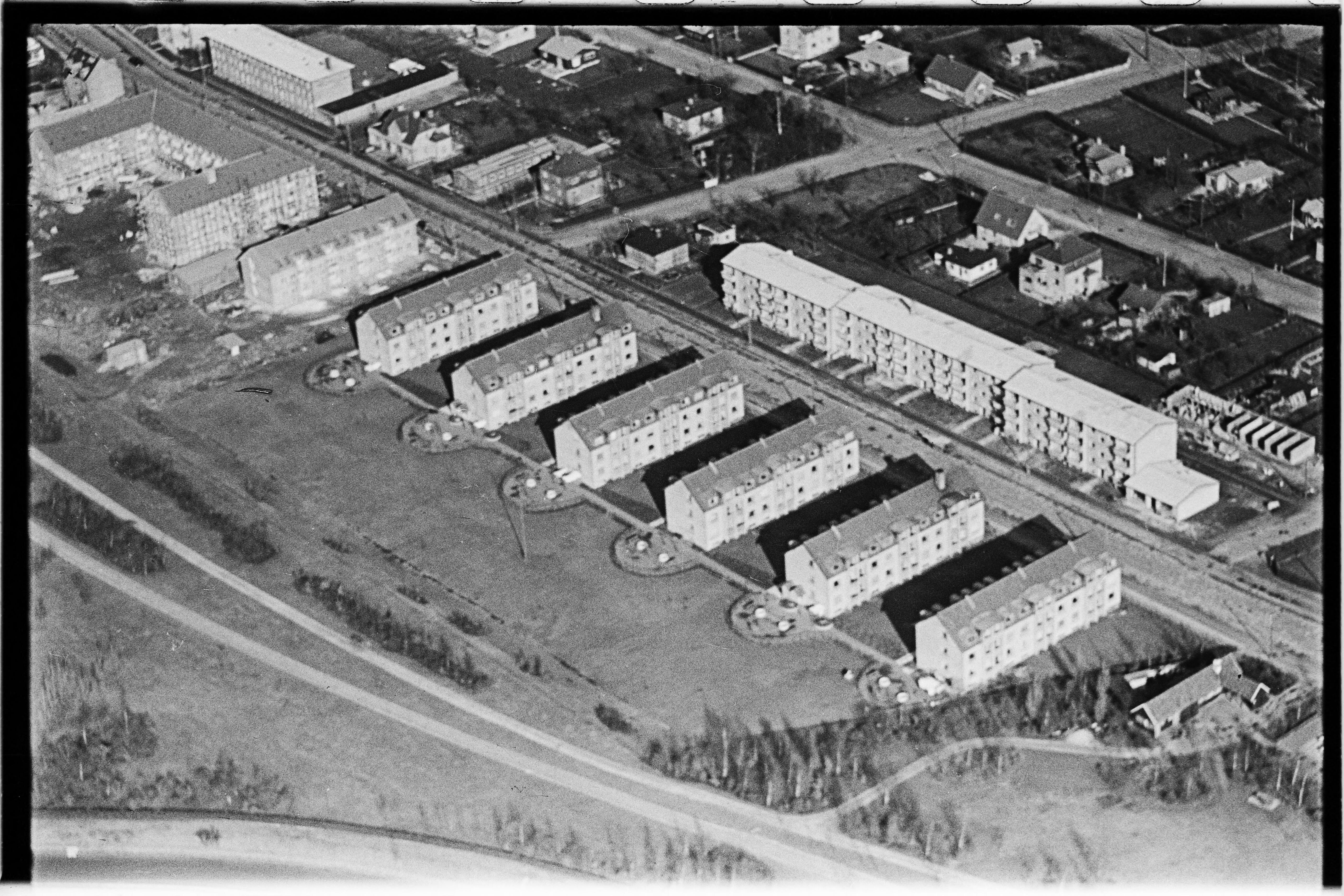 Skråfoto fra 1950-1954 taget 252 meter fra Bjeverskov Alle 60