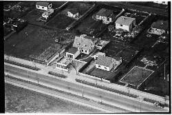 thumbnail: Skråfoto fra 1950-1954 taget 75 meter fra Ajax Alle 21