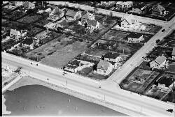 thumbnail: Skråfoto fra 1950-1954 taget 448 meter fra Bjeverskov Alle 29