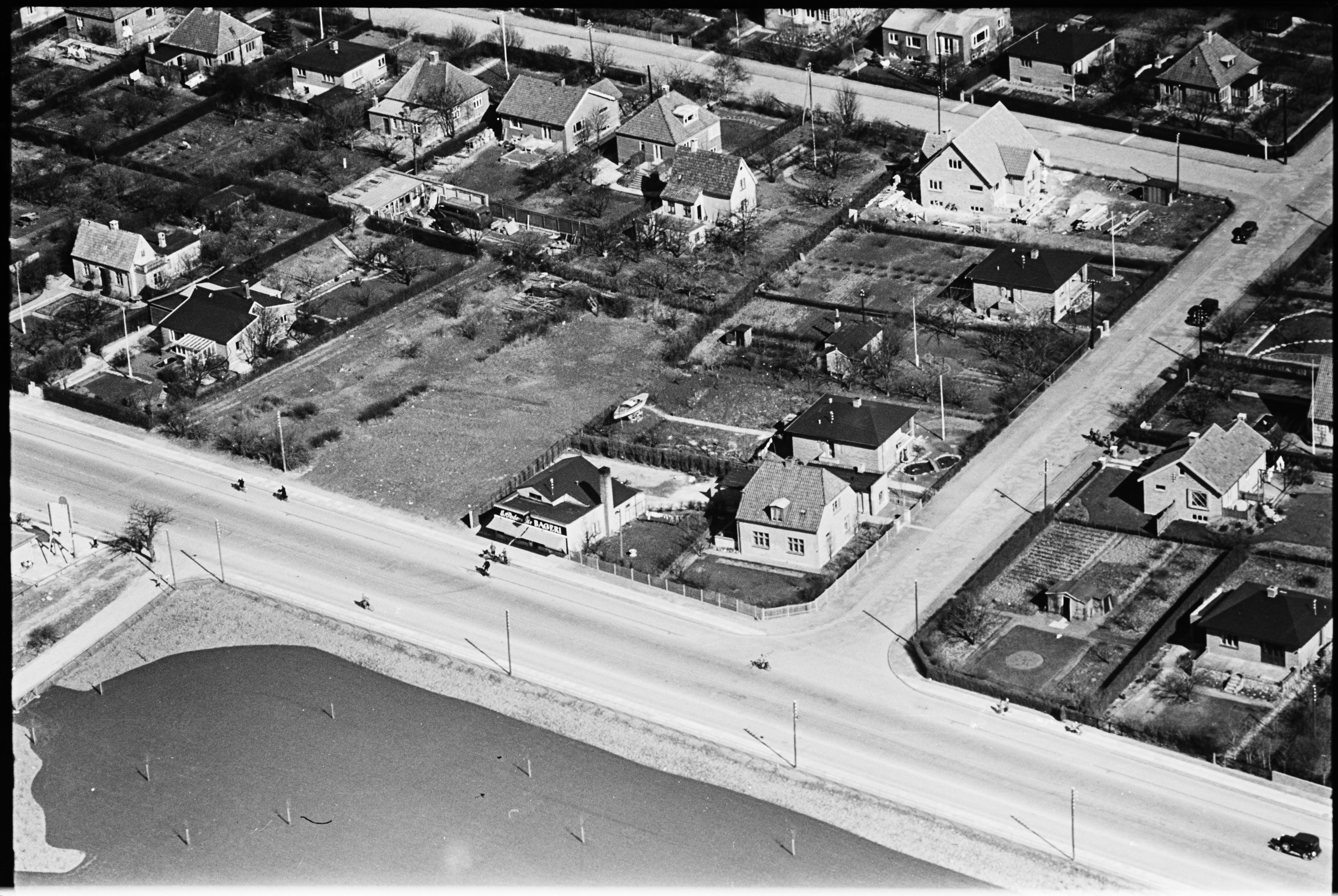 Skråfoto fra 1950-1954 taget 448 meter fra Bjeverskov Alle 29