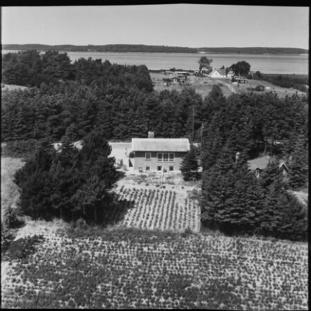 Skråfoto fra 1958 taget 1134 meter fra Eskemosevej 16